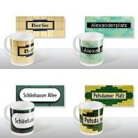 Tasse mit Berliner U-Bahnhof-Namen als Motiv von Tom Bäcker