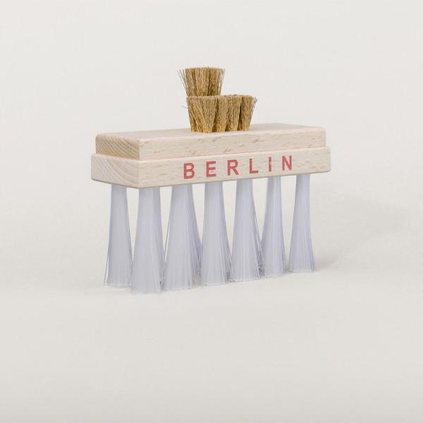 """Kleiderbürste als """"Brandenburger Tor"""" - Deko oder zur Reinigung"""