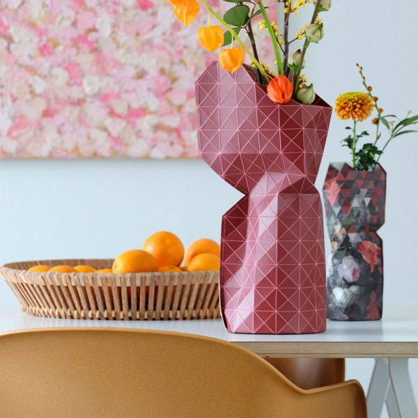 Papiervase red grid